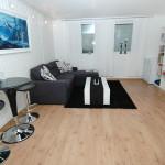 Nyoppusset leilighet like utenfor Kristiansand, midt i bussmetroen.